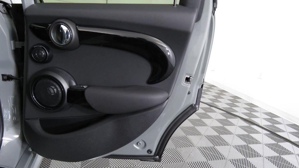 2019 MINI Cooper S Hardtop 4 Door  - 18285875 - 28