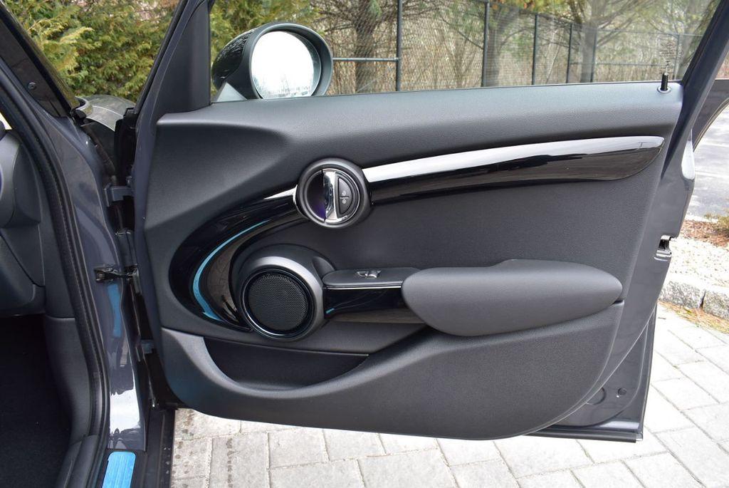 2019 MINI Cooper S Hardtop 4 Door  - 18494993 - 35
