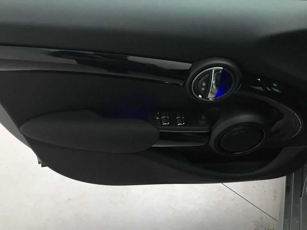 2019 MINI Cooper S Hardtop 4 Door   - 18083829 - 17