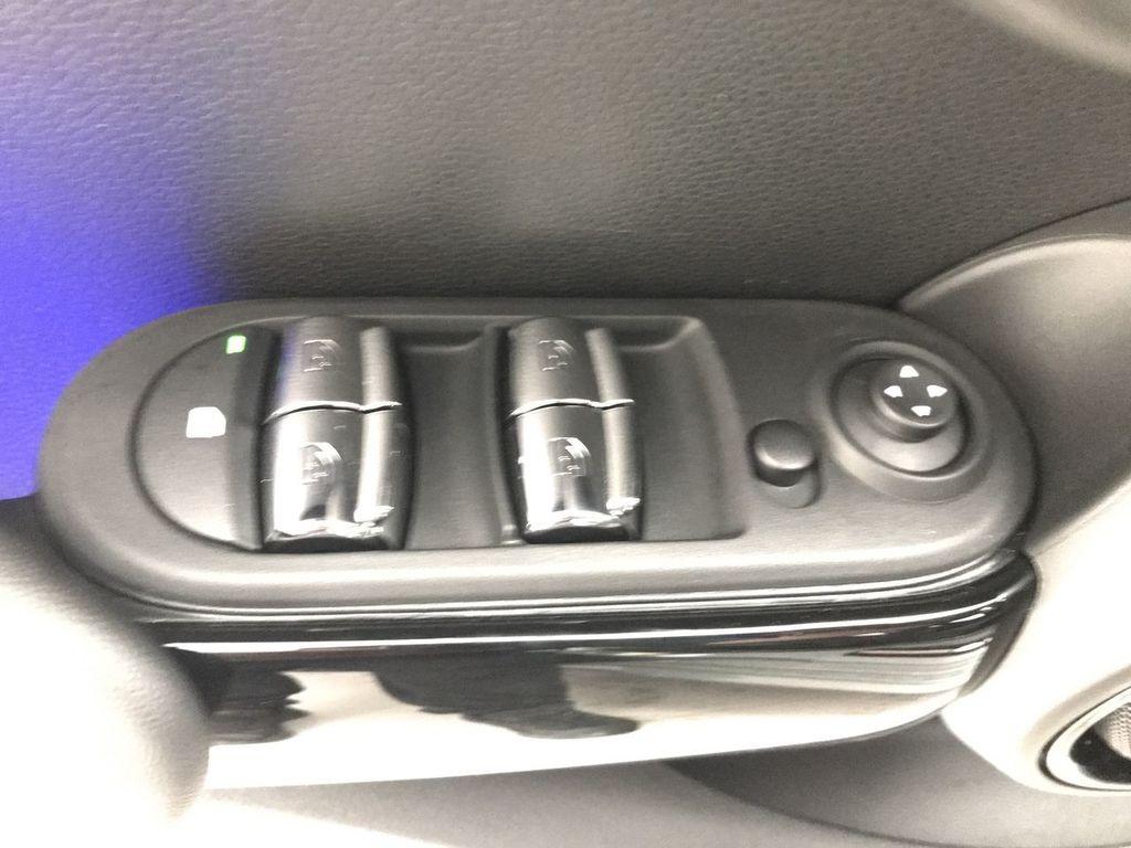 2019 MINI Cooper S Hardtop 4 Door   - 18083829 - 18