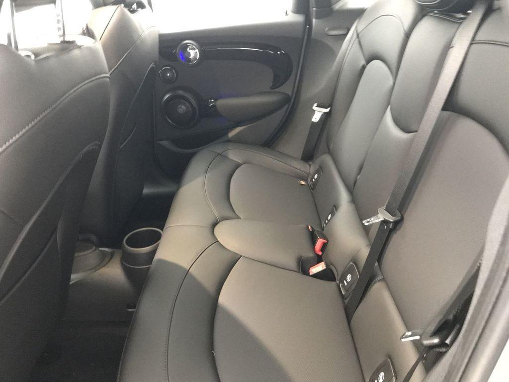 2019 MINI Cooper S Hardtop 4 Door   - 18083829 - 23