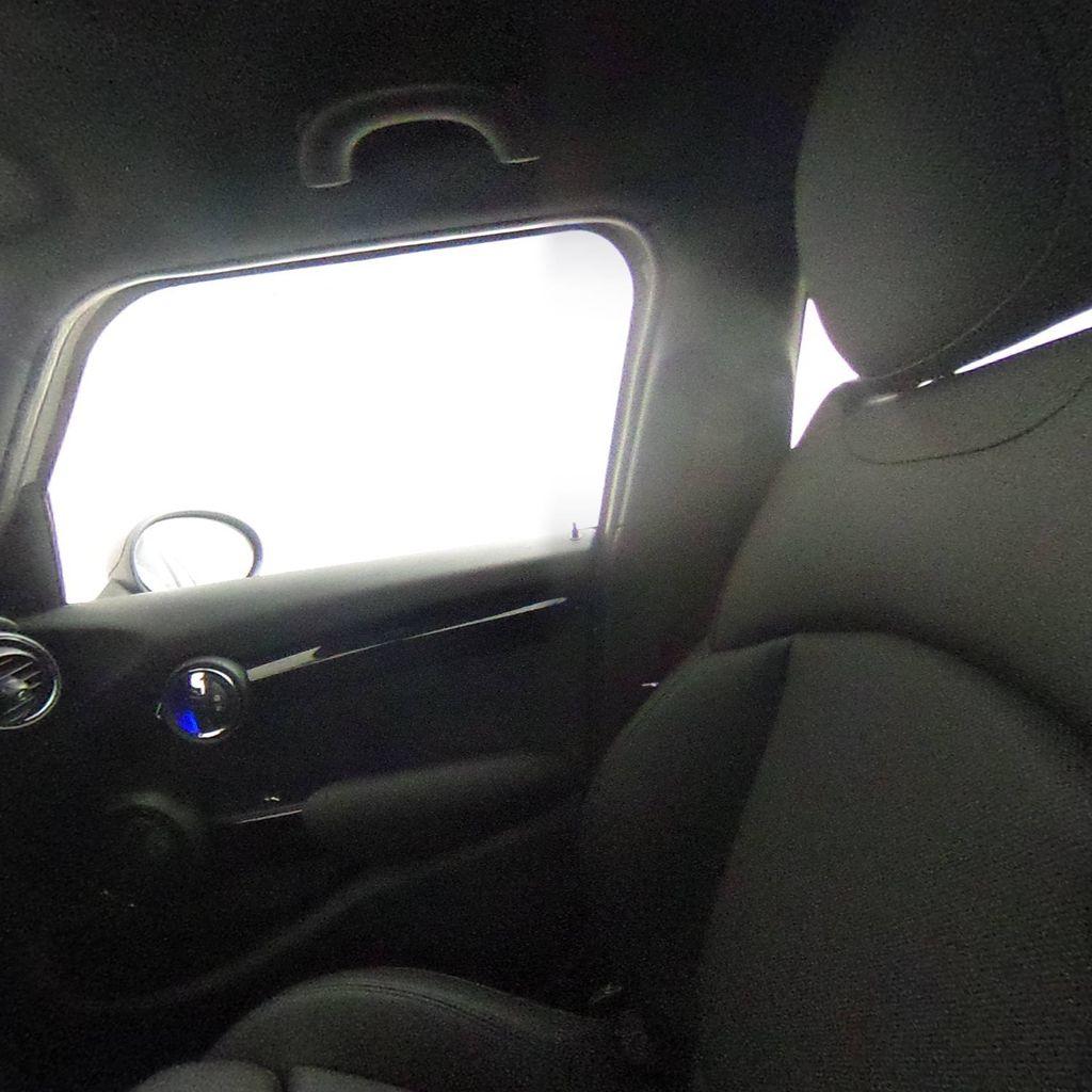 2019 MINI Cooper S Hardtop 4 Door   - 18083829 - 39