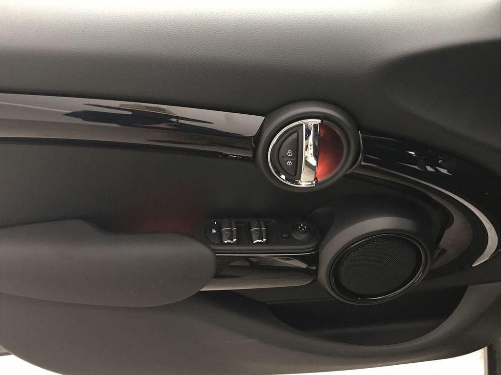 2019 MINI Cooper S Hardtop 4 Door   - 18470742 - 17