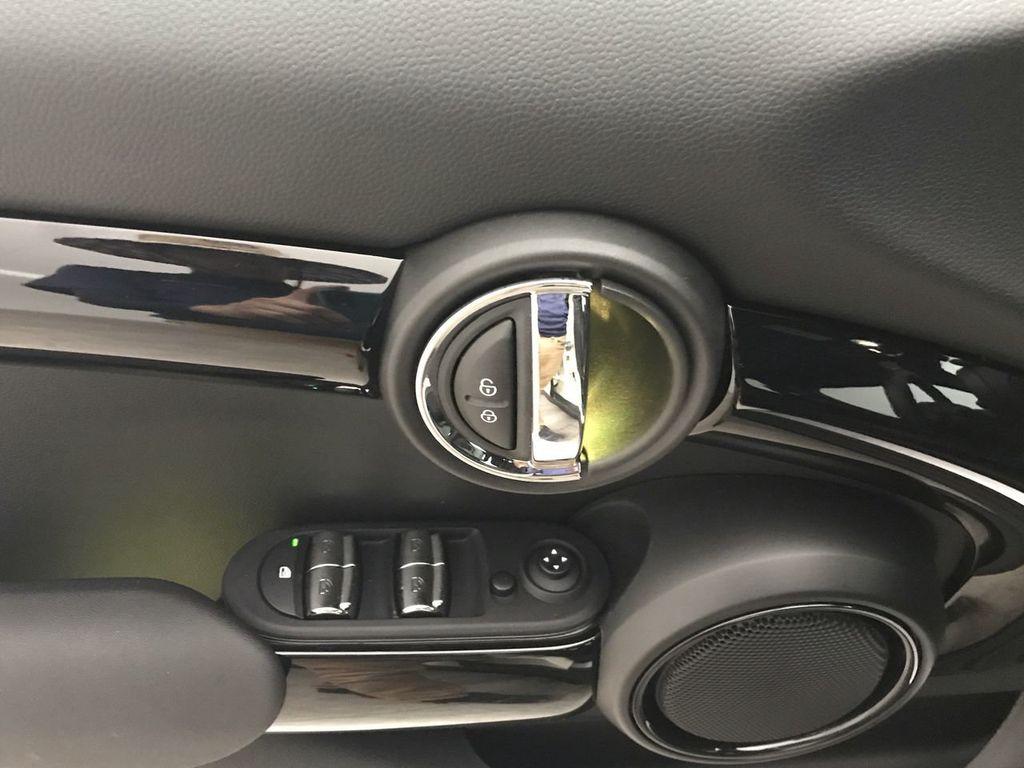 2019 MINI Cooper S Hardtop 4 Door   - 18470742 - 18