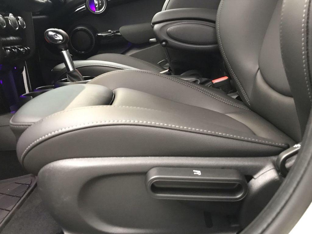 2019 MINI Cooper S Hardtop 4 Door   - 18470742 - 20