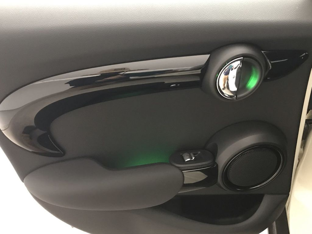 2019 MINI Cooper S Hardtop 4 Door   - 18470742 - 21