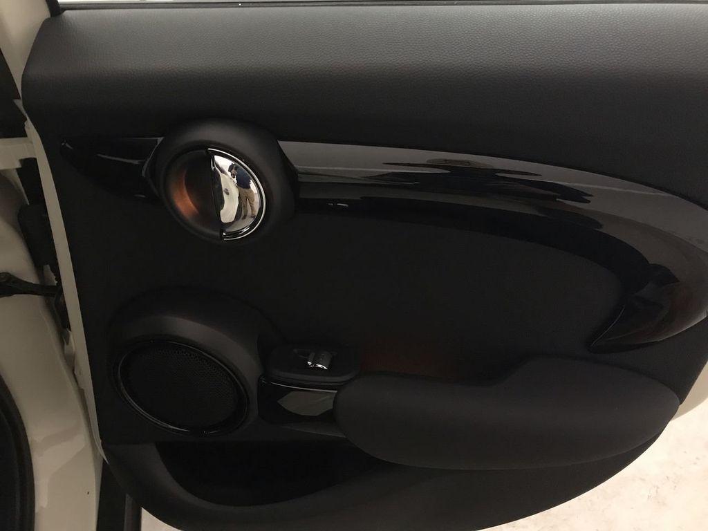 2019 MINI Cooper S Hardtop 4 Door   - 18470742 - 24