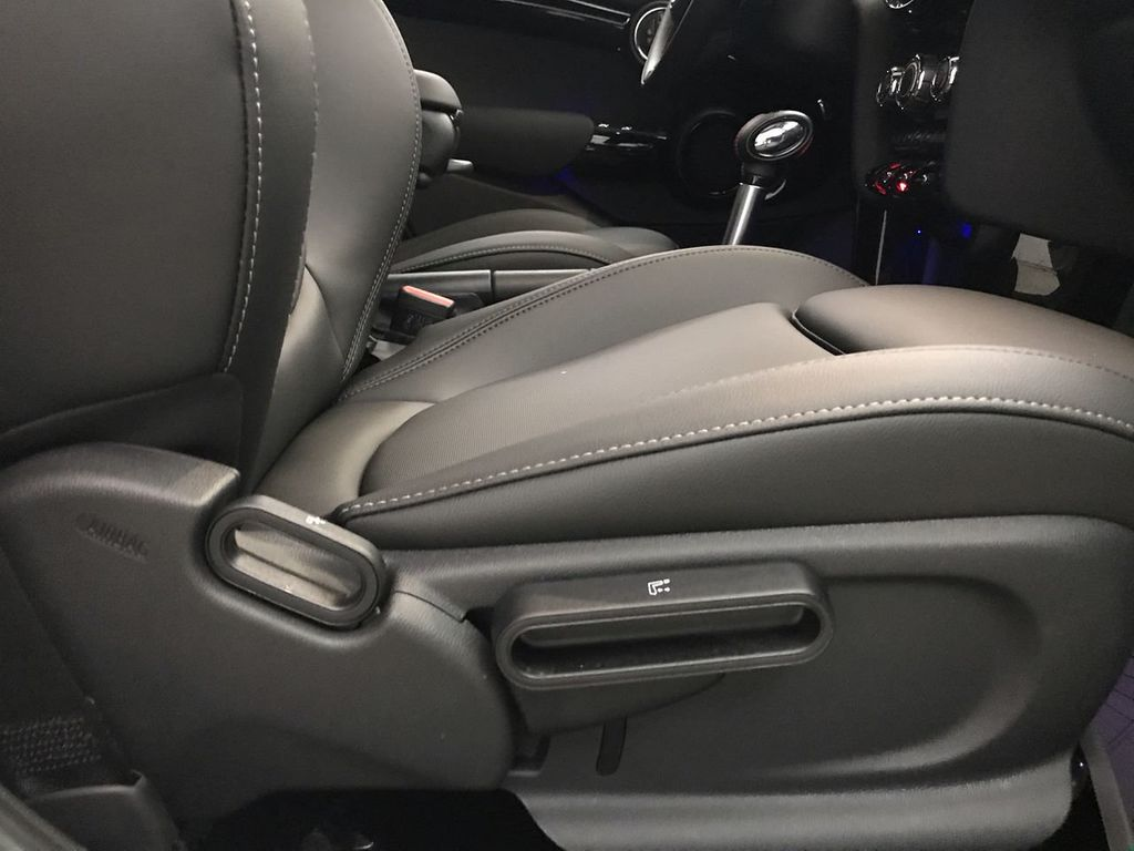 2019 MINI Cooper S Hardtop 4 Door   - 18470742 - 30