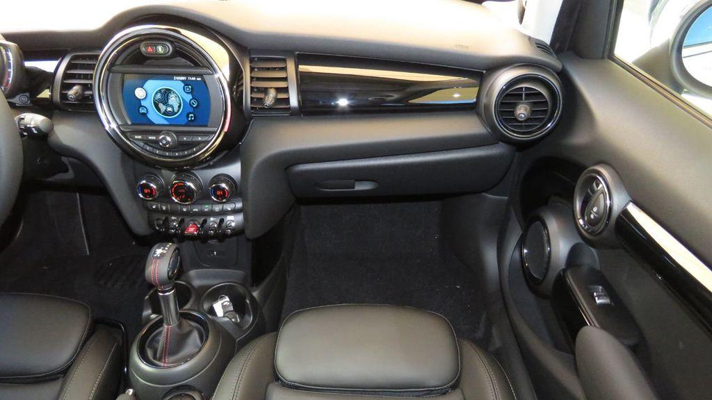 2019 MINI Cooper S Hardtop 4 Door COURTESY VEHICLE  - 18305232 - 17