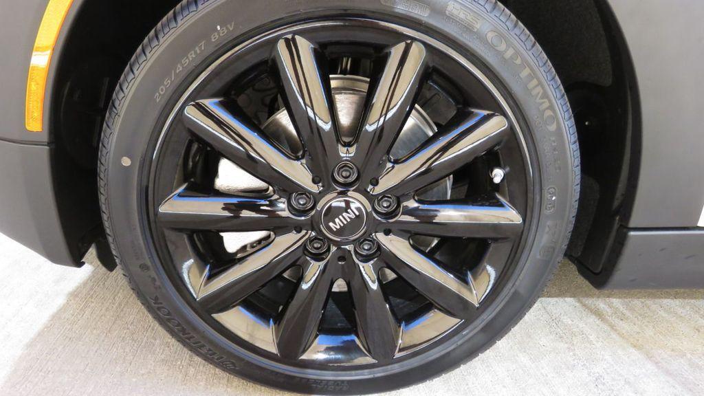 2019 MINI Cooper S Hardtop 4 Door COURTESY VEHICLE  - 18305232 - 32