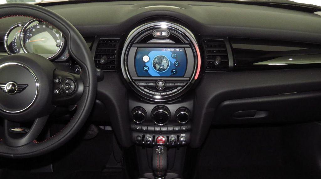 2019 MINI Cooper S Hardtop 4 Door COURTESY VEHICLE  - 18425765 - 14
