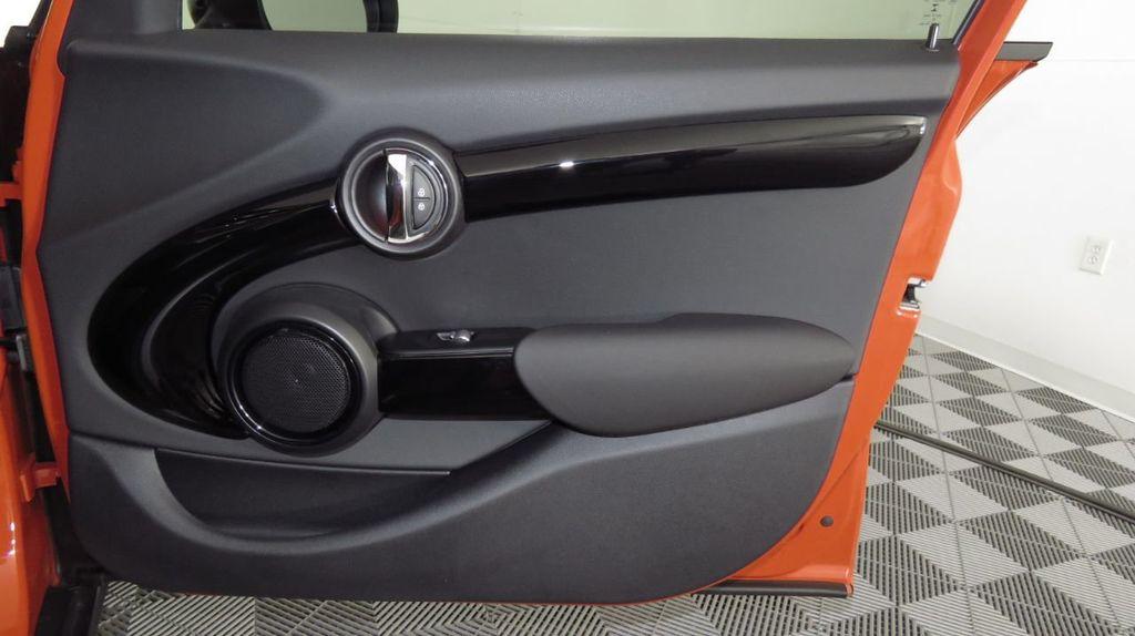 2019 MINI Cooper S Hardtop 4 Door COURTESY VEHICLE  - 18425765 - 26