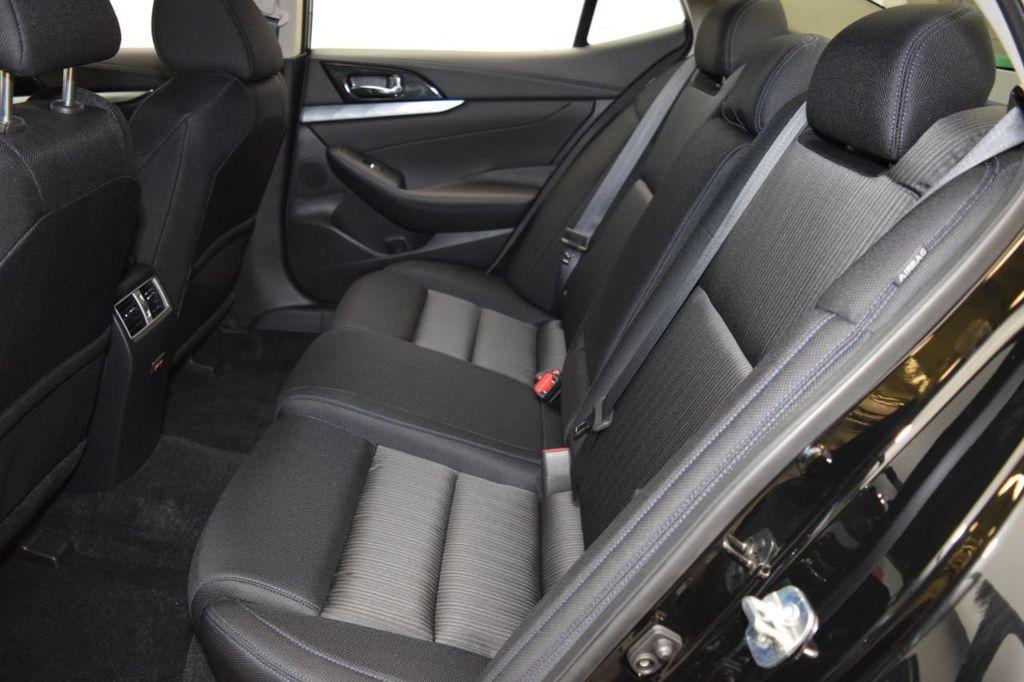 2019 Nissan Maxima 3.5S - 18476237 - 33