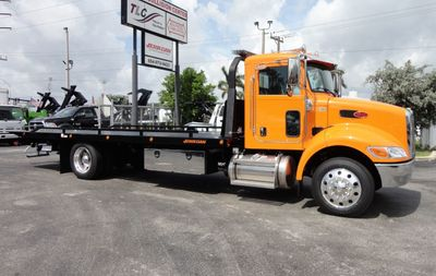 New 2019 Peterbilt 337 ..AIR BRAKE..AIR RIDE SUS..22SRR6T-W-LP (LCG) ROLLBACK