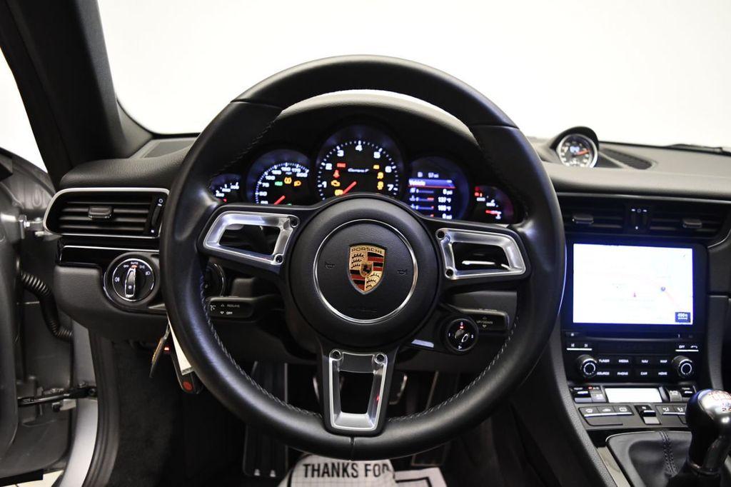 2019 Porsche 911 Carrera T - 18414583 - 18