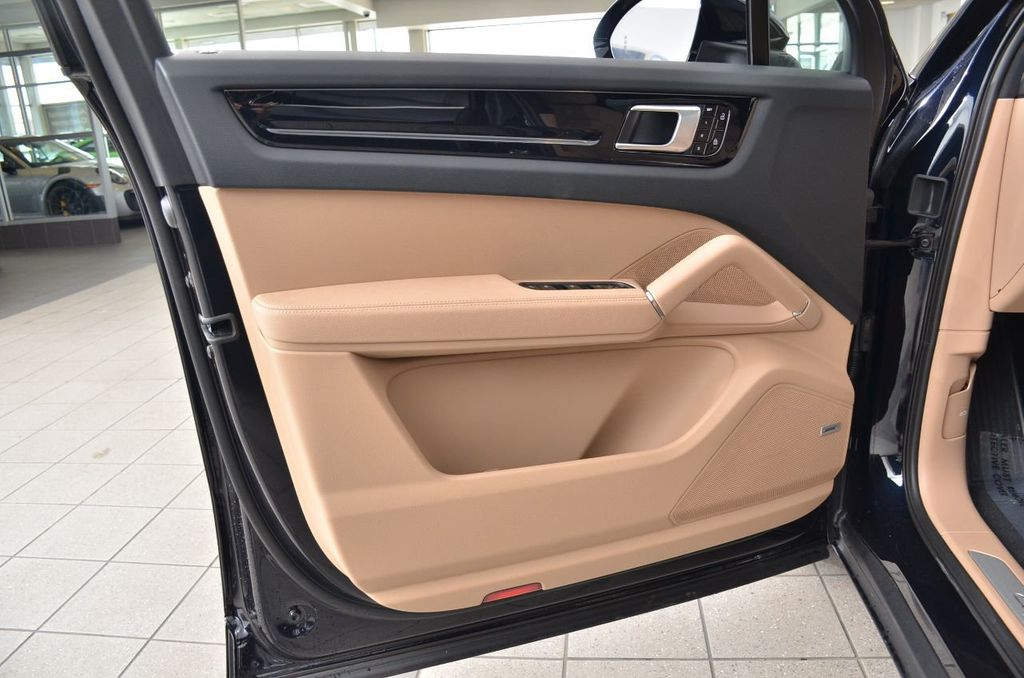 2019 Porsche Cayenne S - 18896508 - 46
