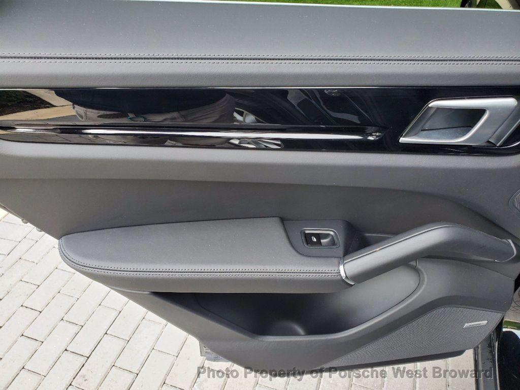 2019 Porsche Cayenne S - 18533355 - 18