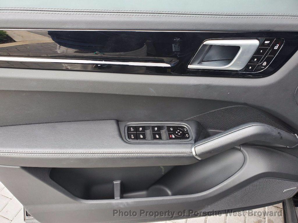 2019 Porsche Cayenne S - 18533355 - 23