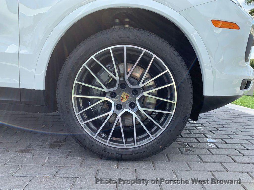 2019 Porsche Cayenne S - 18533356 - 11