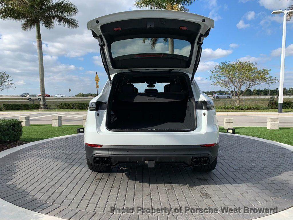 2019 Porsche Cayenne S - 18533356 - 12