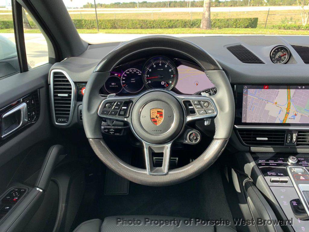 2019 Porsche Cayenne S - 18533356 - 19