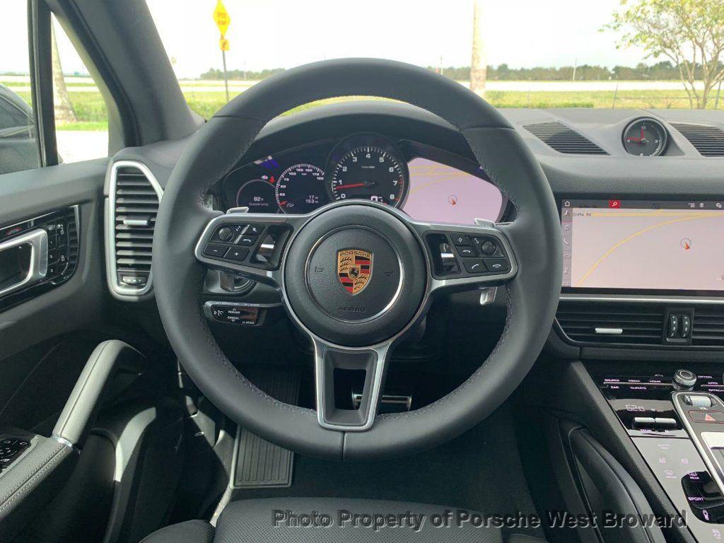 2019 Porsche Cayenne S - 18644792 - 19