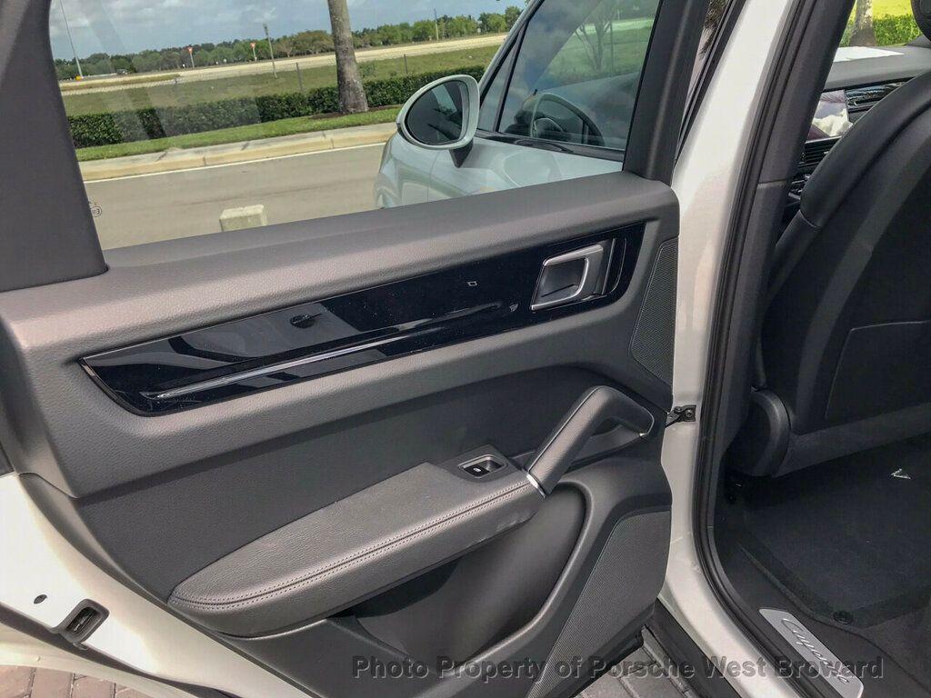 2019 Porsche Cayenne S - 18719437 - 16