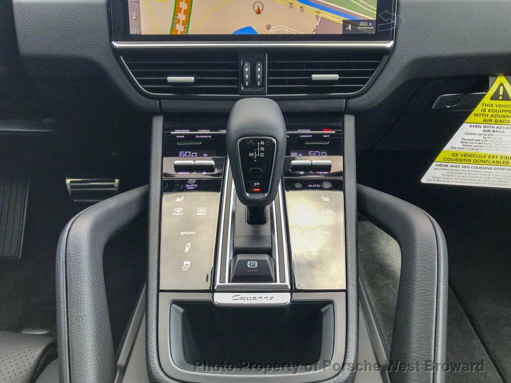 2019 Porsche Cayenne S - 18719437 - 24