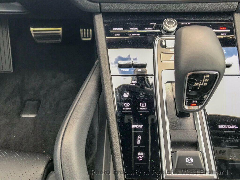 2019 Porsche Cayenne S - 18719437 - 25