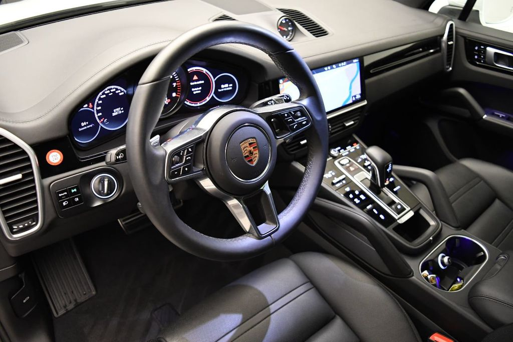 2019 Porsche Cayenne S - 18422700 - 16