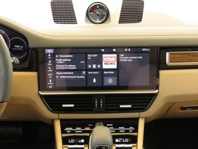 2019 Porsche Cayenne  SUV - Click to see full-size photo viewer
