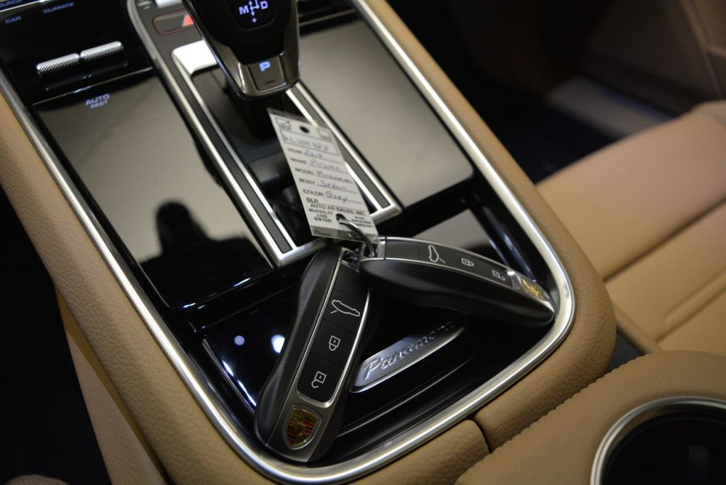 2019 Porsche Panamera 4 AWD - 18594299 - 30