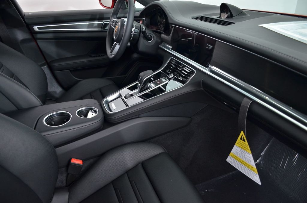 2019 Porsche Panamera GTS AWD - 18702357 - 33
