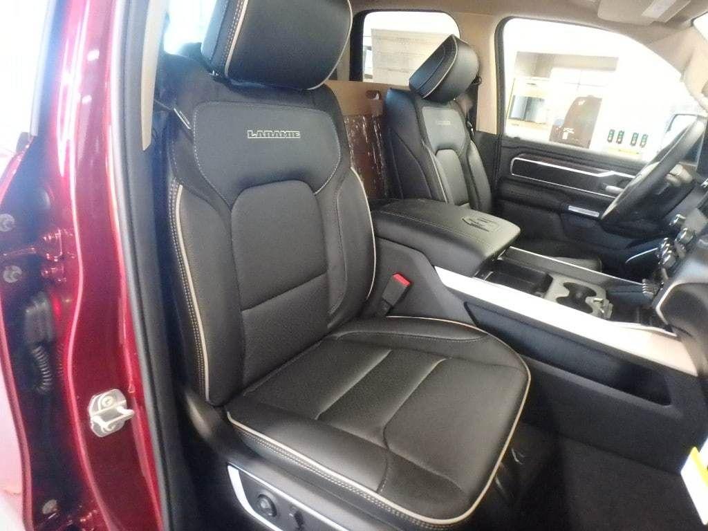 """2019 Ram 1500 Laramie 4x4 Quad Cab 6'4"""" Box - 18340801 - 9"""