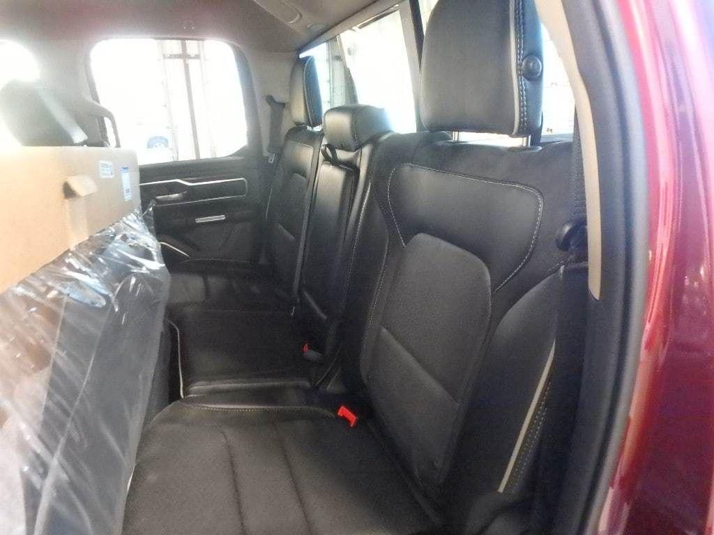 """2019 Ram 1500 Laramie 4x4 Quad Cab 6'4"""" Box - 18340801 - 10"""