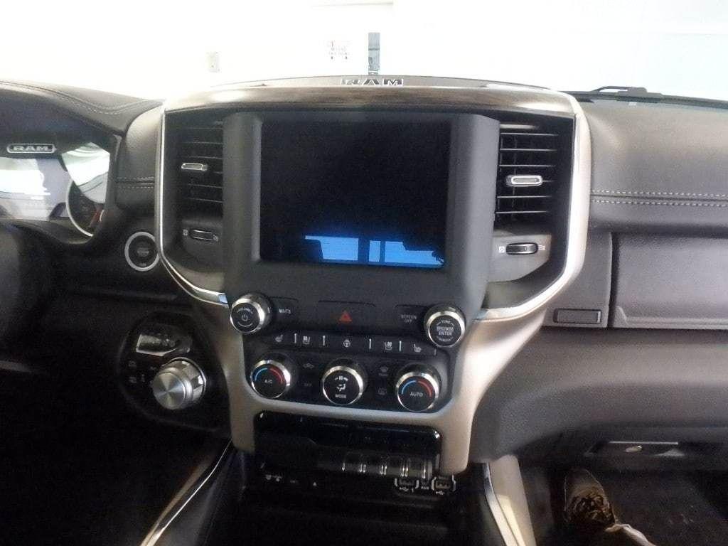 """2019 Ram 1500 Laramie 4x4 Quad Cab 6'4"""" Box - 18340801 - 18"""