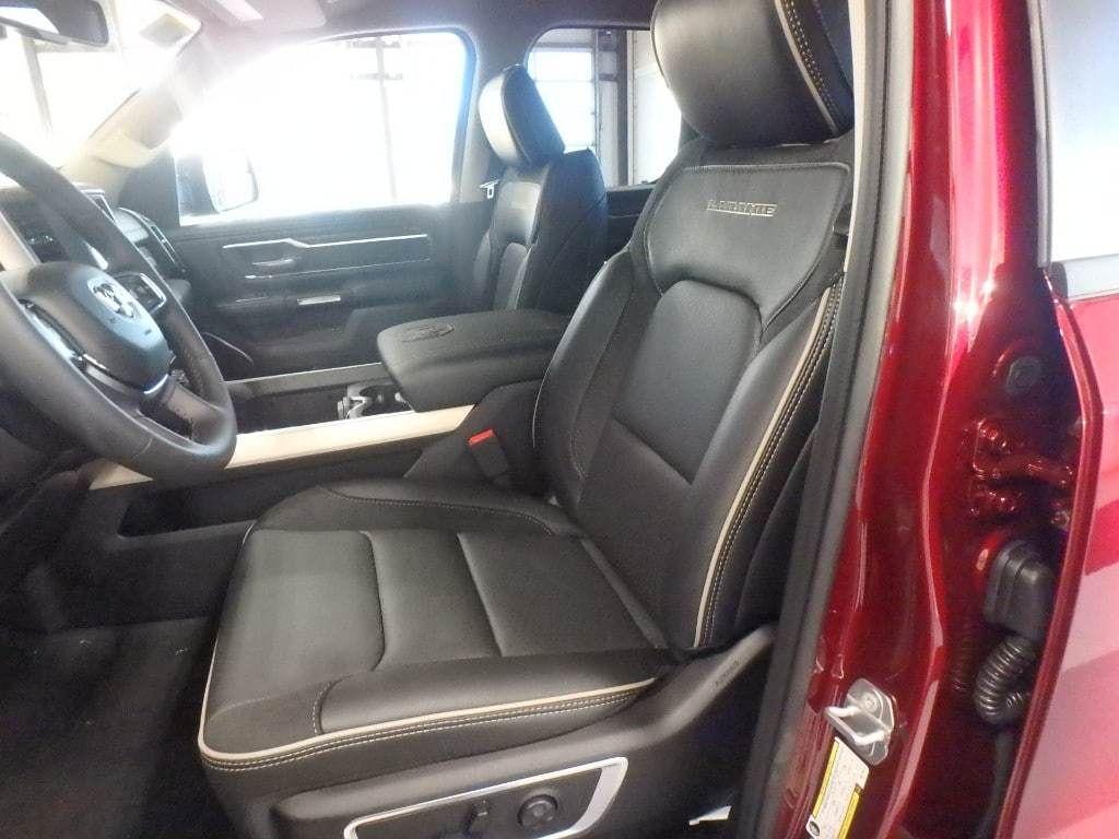 """2019 Ram 1500 Laramie 4x4 Quad Cab 6'4"""" Box - 18340801 - 8"""