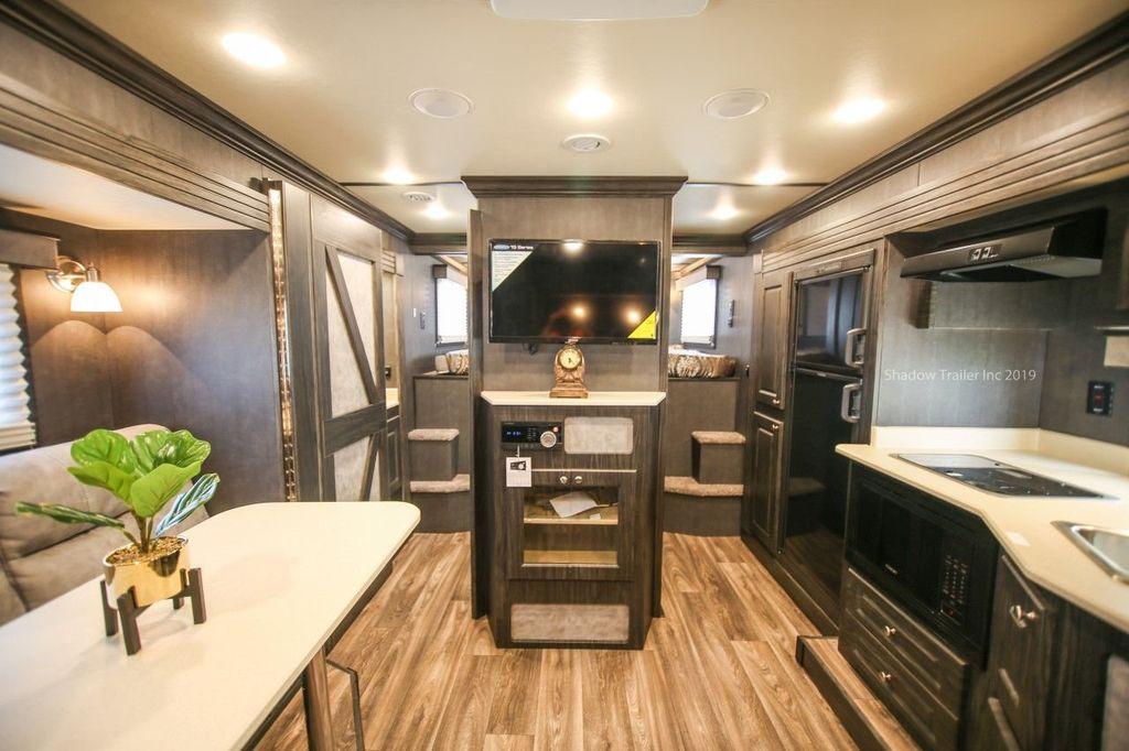 2019 Shadow 3 Horse 14 Foot Luxury Conestoga Living Quarters  - 18654393 - 11