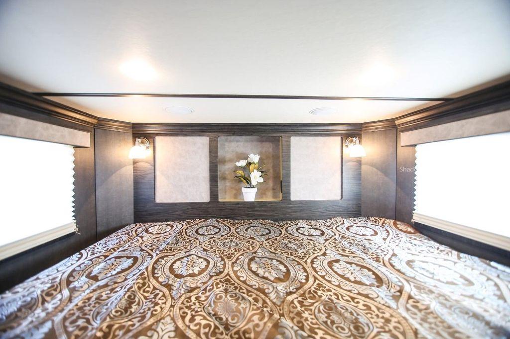 2019 Shadow 3 Horse 14 Foot Luxury Conestoga Living Quarters  - 18654393 - 22