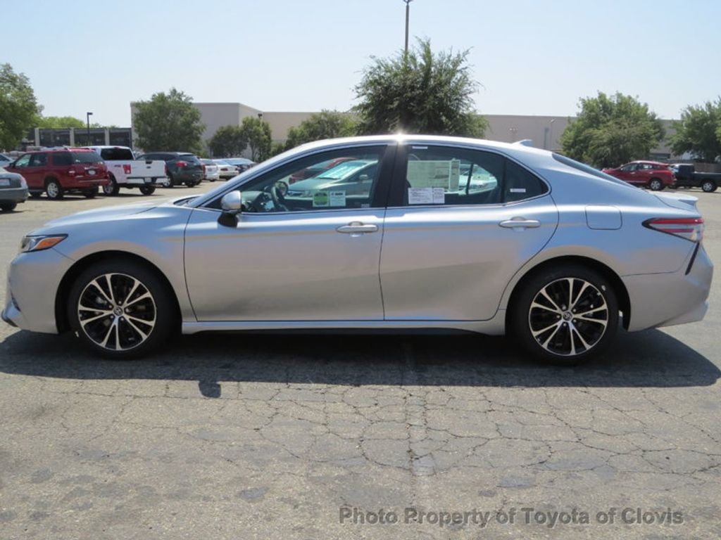 2019 Toyota Camry SE Automatic - 18220139 - 3