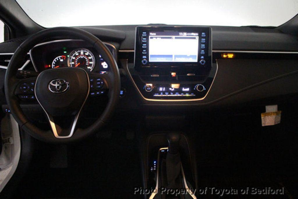 2019 Toyota Corolla Hatchback SE CVT - 18817106 - 1