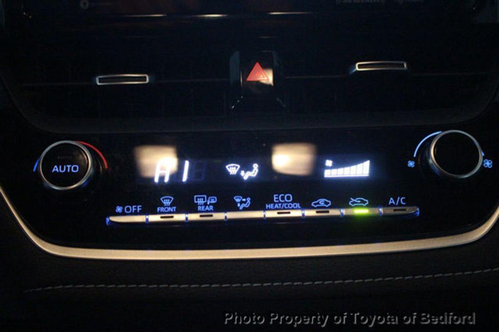 2019 Toyota Corolla Hatchback SE CVT - 18817106 - 4