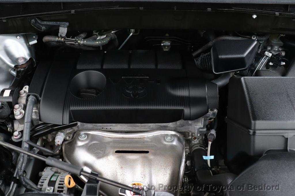 2019 Toyota Highlander LE I4 FWD - 18289774 - 11