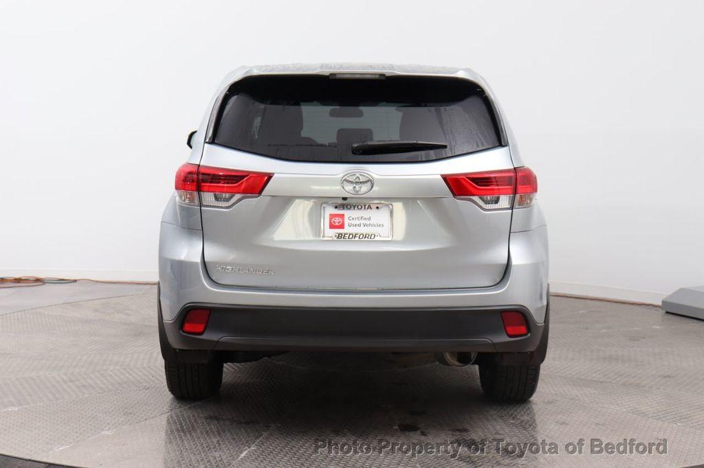 2019 Toyota Highlander LE I4 FWD - 18289774 - 14