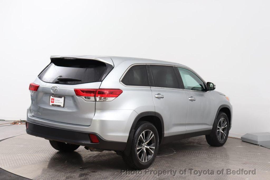 2019 Toyota Highlander LE I4 FWD - 18289774 - 15