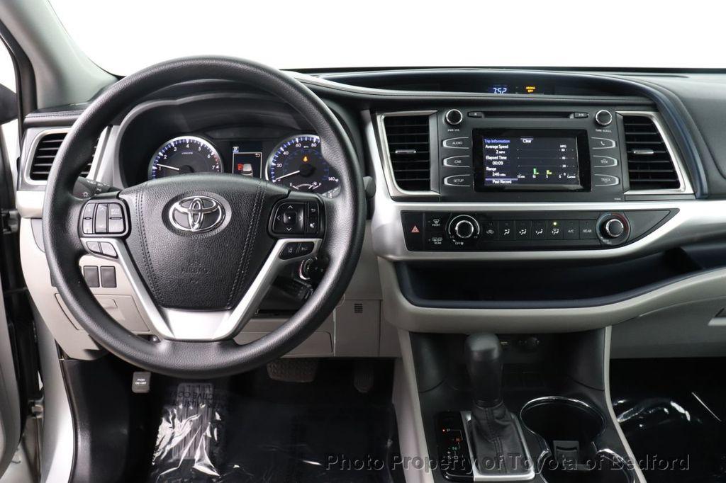 2019 Toyota Highlander LE I4 FWD - 18289774 - 2