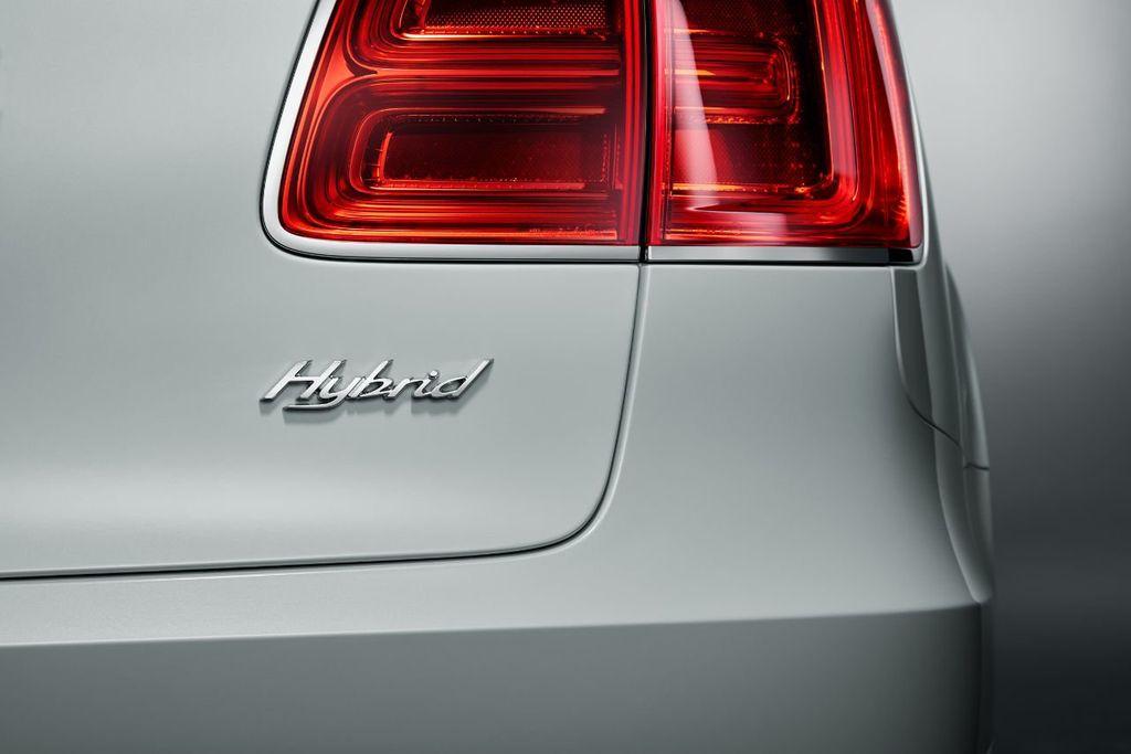 2020 Bentley Bentayga Hybrid Now Accepting Orders! - 18557422 - 9