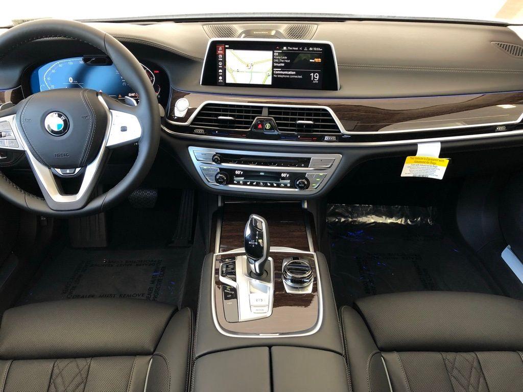 2020 BMW 7 Series 750i xDrive - 18926196 - 3