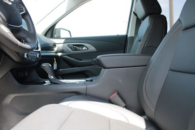 2020 Chevrolet Traverse FWD 4dr Premier SUV - Click to see full-size photo viewer