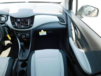 2020 Chevrolet Trax AWD 4dr LS SUV - Click to see full-size photo viewer